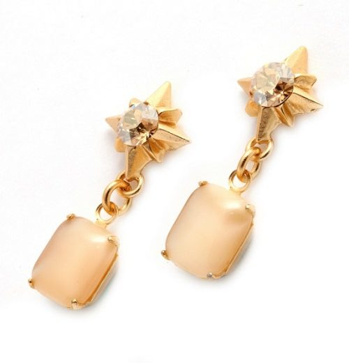 Charming earrings with aragonite