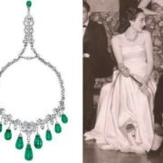 Egyptian Princess Faiza in the emerald necklace from Van Cleef & Arpels, photo taken in 1948