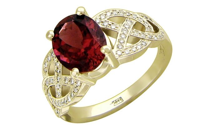 Ring with tourmaline and diamonds