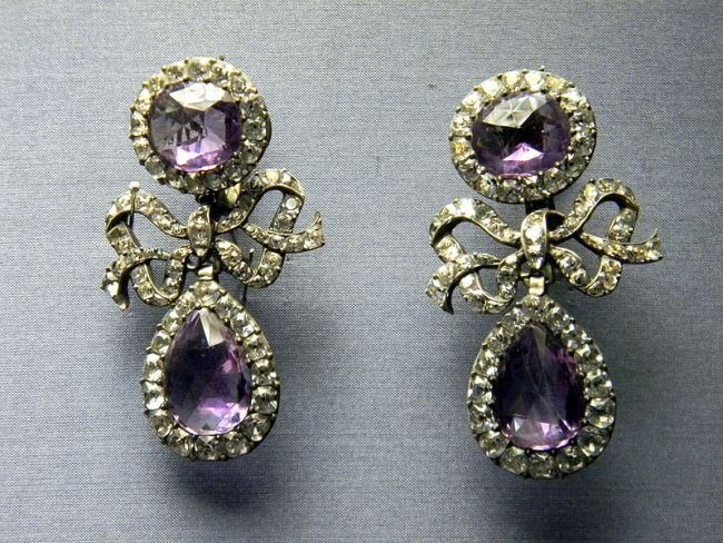 18th century portuguese earrings (from a set), National Museum of Ancient Art, Lisbon.