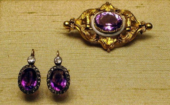 Brooch. 1857-64. Master A. Holstrem. Amethyst, gold. The State Museum of Peterhof. Earrings. St. Petersburg, 1908-17