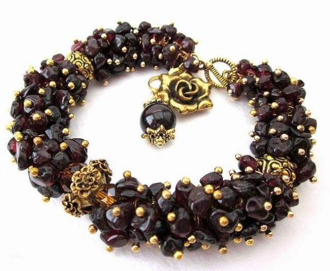Bracelet with garnets