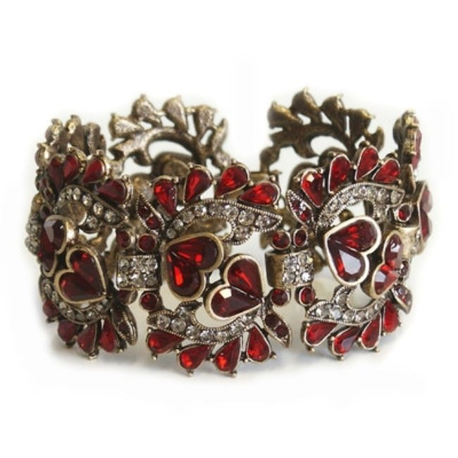 Gorgeous bracelet with garnet