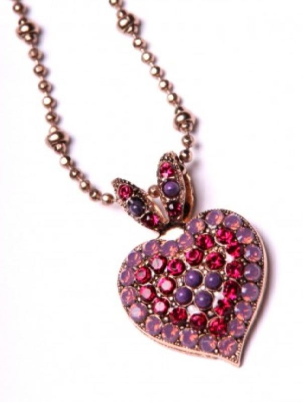 Heart-shaped pendant with garnets