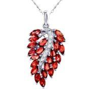 Lovely pendant with garnet