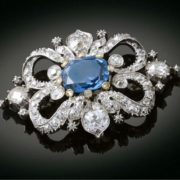 Stunning brooch with sapphire
