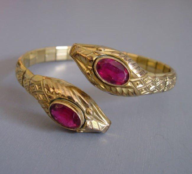 Amazing snake bracelet