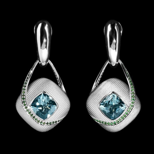 Amazing earrings with aquamarine