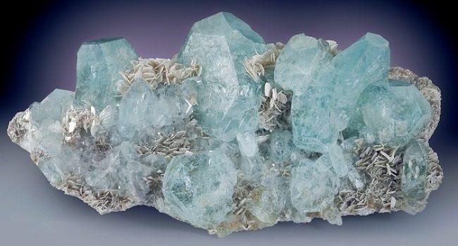 Brilliant aquamarine