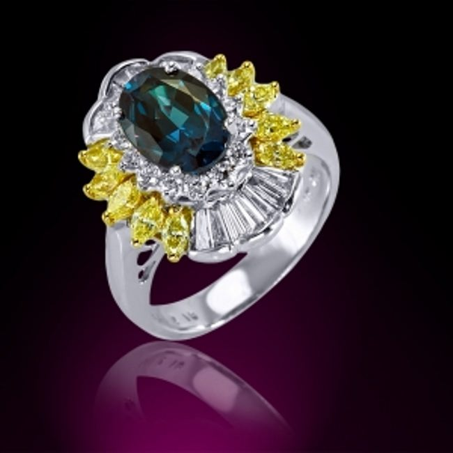 Cute ring with alexandrite