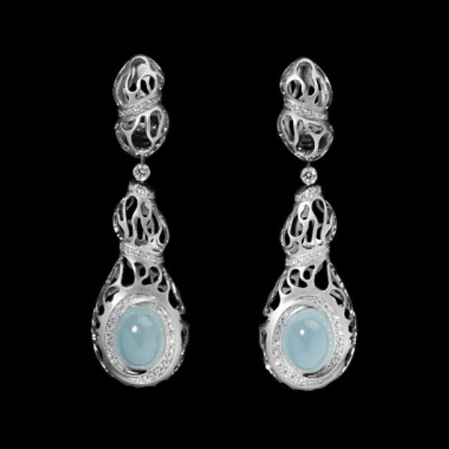 Earrings with aquamarine