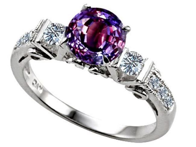 Fashionable ring with alexandrite