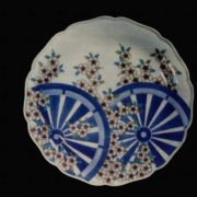 Graceful Dish. Imaizumi Imaemon. 20th century. Porcelain