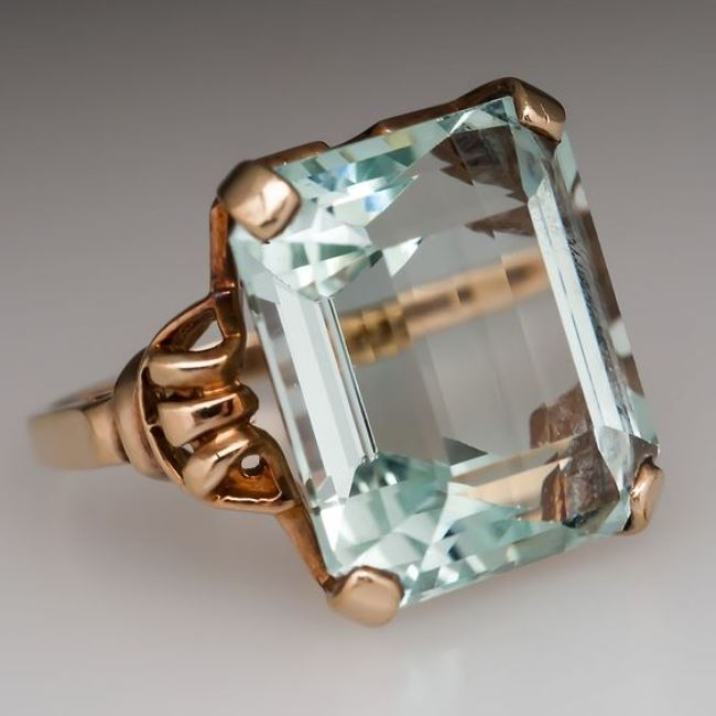 Original ring with aquamarine