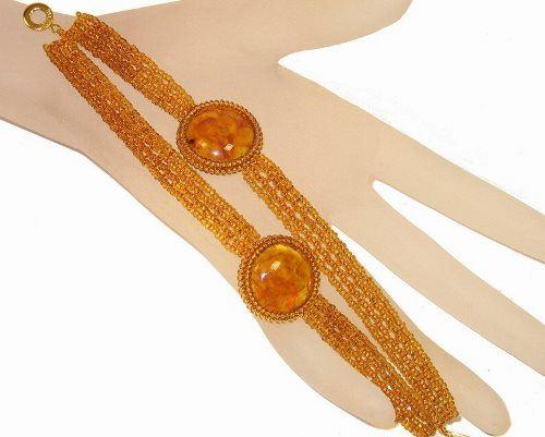 Attractive amber bracelet