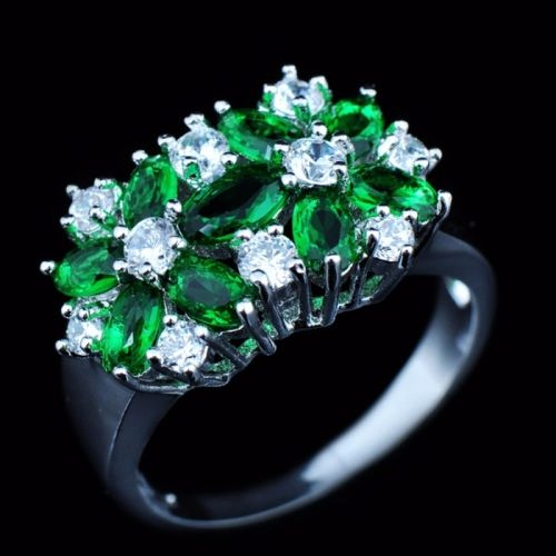 Beautiful ring with emerald