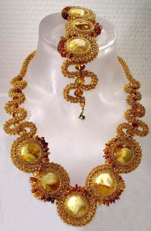 Wonderful amber necklace