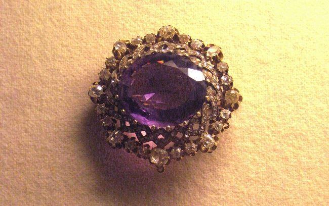 Amethyst brooch (Paris, 19th century) by shakko