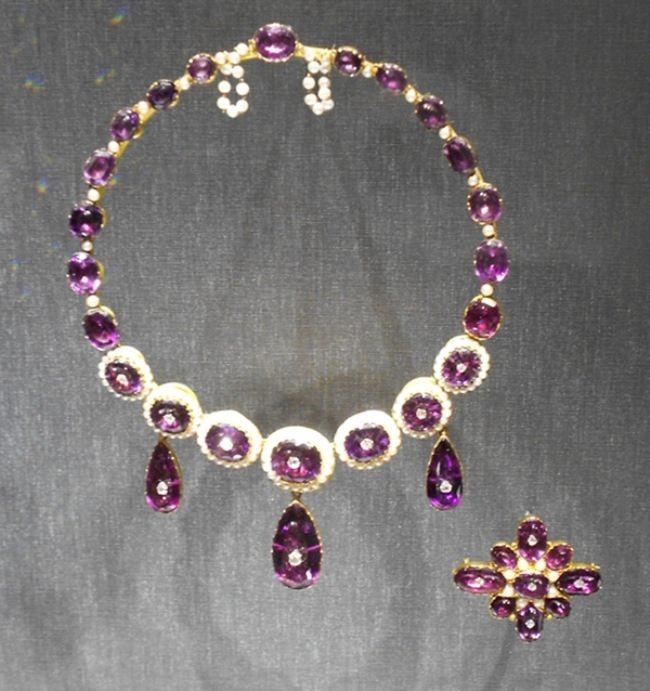Amethyst suite at the Museum of Fine Arts. England, 1870. Gold, diamond, amethyst, and pearl.