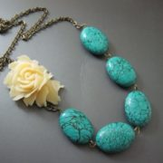 Attractive necklace with turquoise