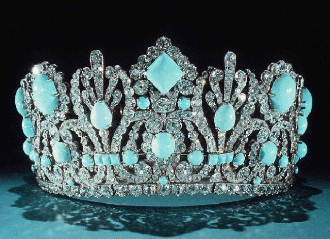 Tiara with turquoise