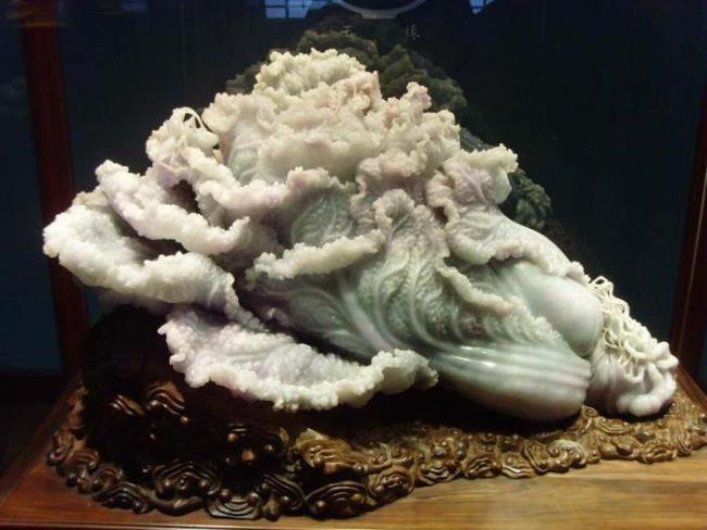 Amazing nephrite