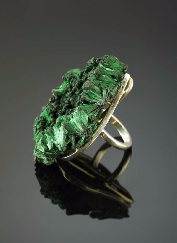 Awesome ring with malachite
