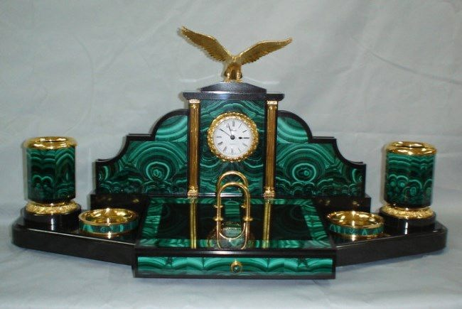 Clock, malachite