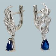 Gorgeous earrings with sapphire