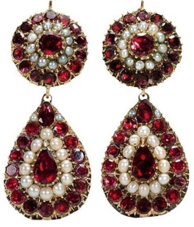 Interesting earrings with garnet
