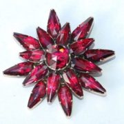 Magnificent brooch with garnet