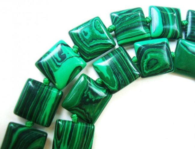 Necklace, malachite
