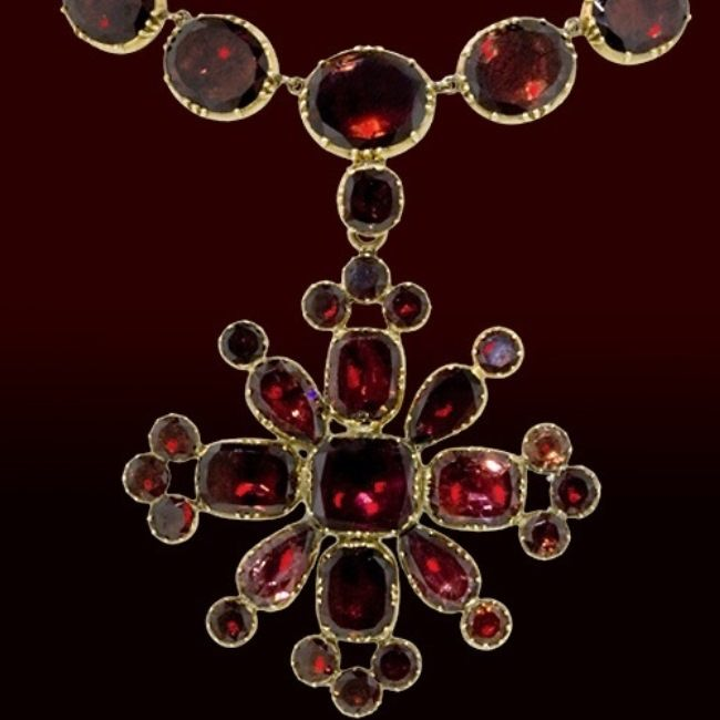 Necklace of the Victorian era