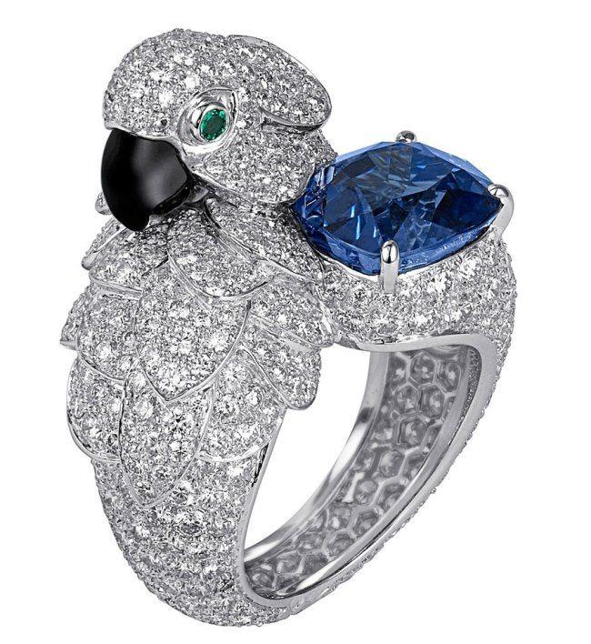Parrot. Platinum, diamonds, sapphires