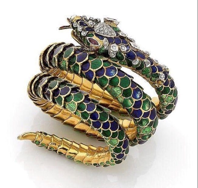 Gold, diamonds, enamel, 1880s