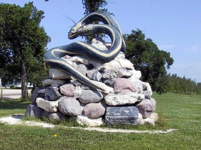 Monument to snakes