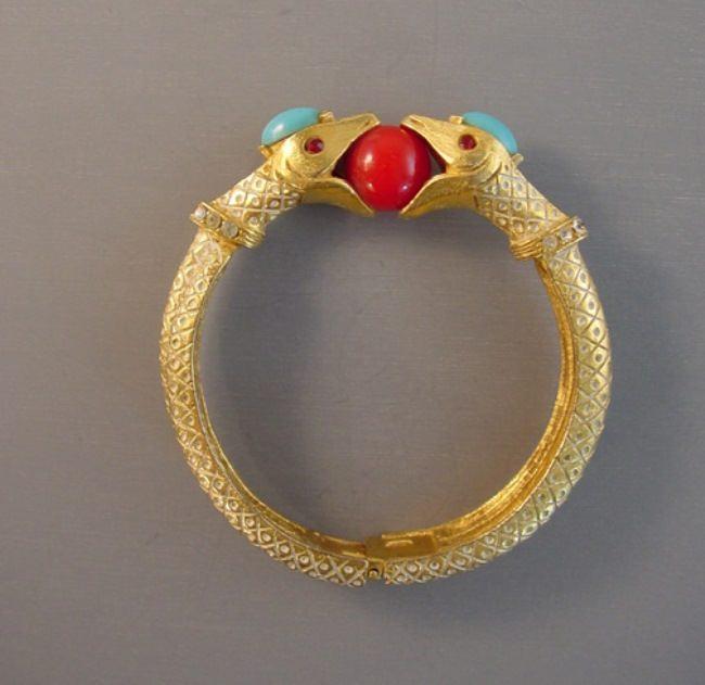Two snakes beautiful bracelet