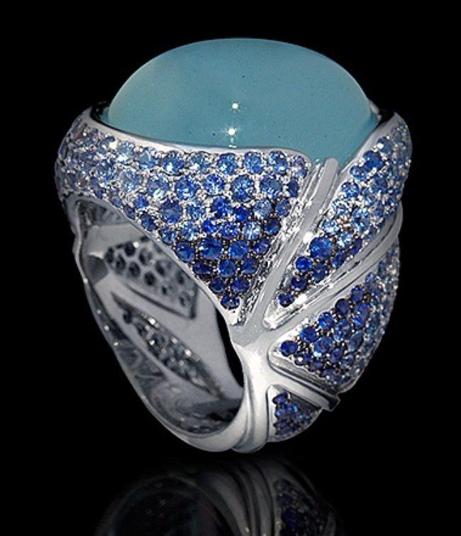 Charming ring with aquamarine