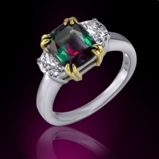 Colorful ring with alexandrite