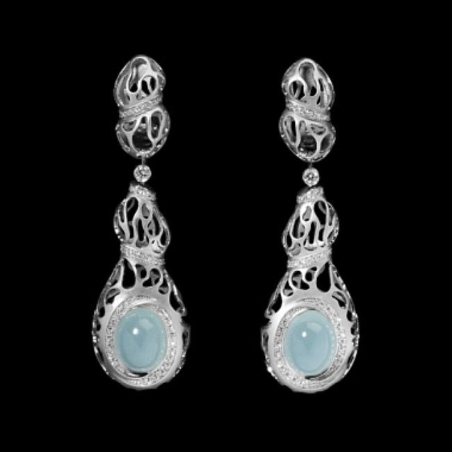 Earrings with aquamarine