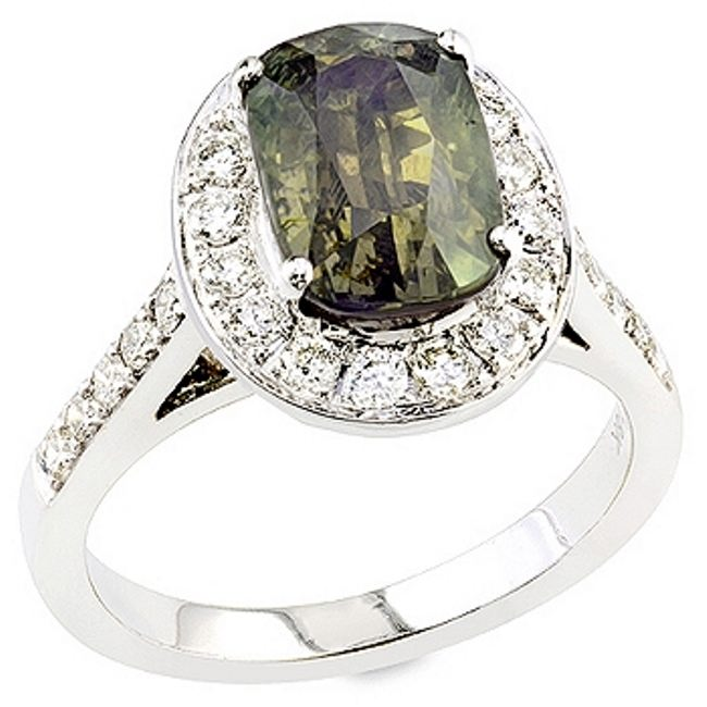Graceful ring with alexandrite
