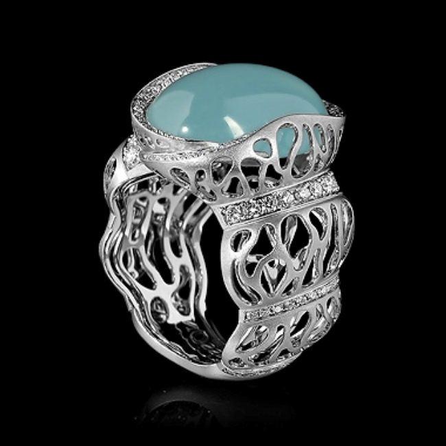 Unique ring with aquamarine